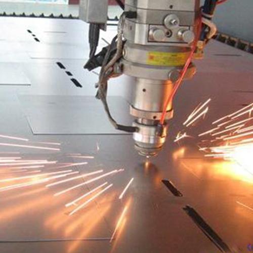 厂家支招:两点保证特厚钢板切割工作的进行